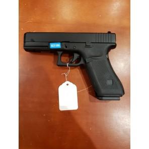 WE G17 GEN 5 GBB Pistol Black(All-Plain-Version)
